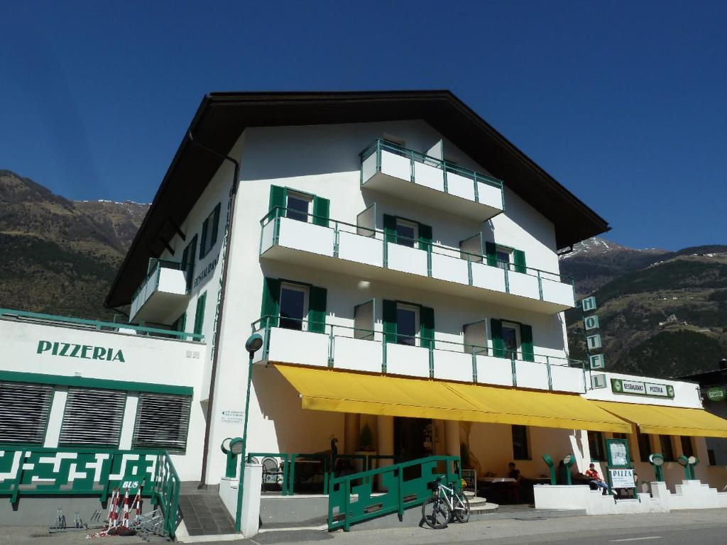 Hotel-Restaurant-Pizzeria Goldrainerhof
