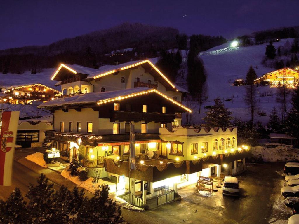 Hotel Rothirsch by Skinetworks Sankt Johann im Pongau, Austria