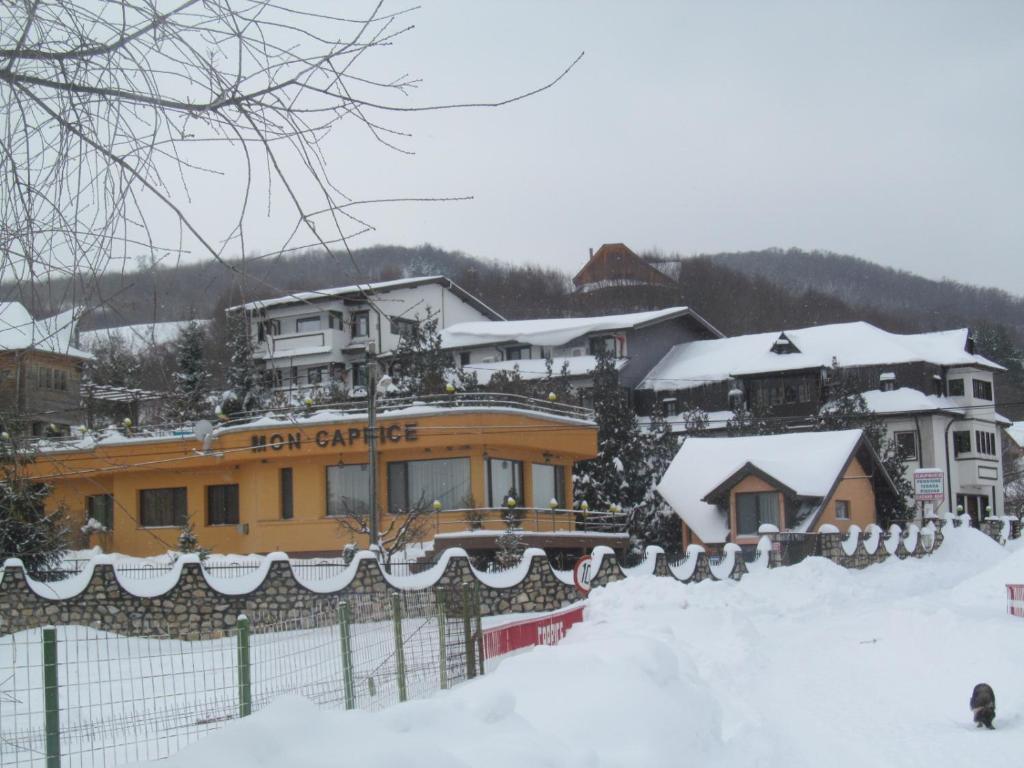 Complex Caprice-Monteoru iarna