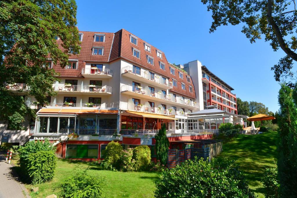 Ein Garten an der Unterkunft Ringhotel Zweibruecker Hof