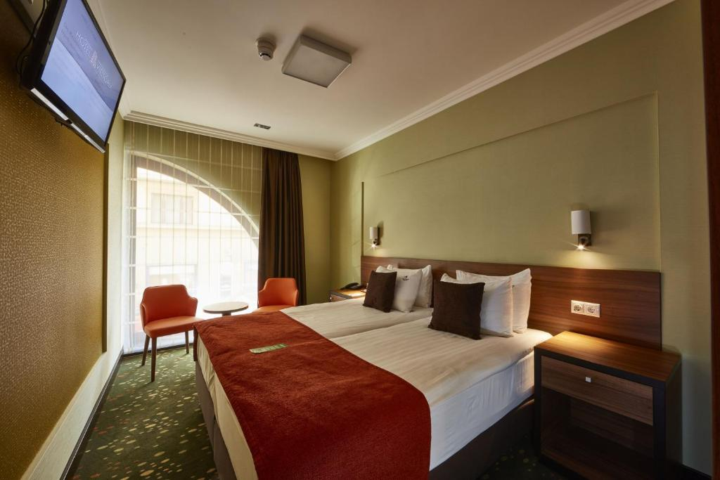 A room at Budget Hotel Victoria