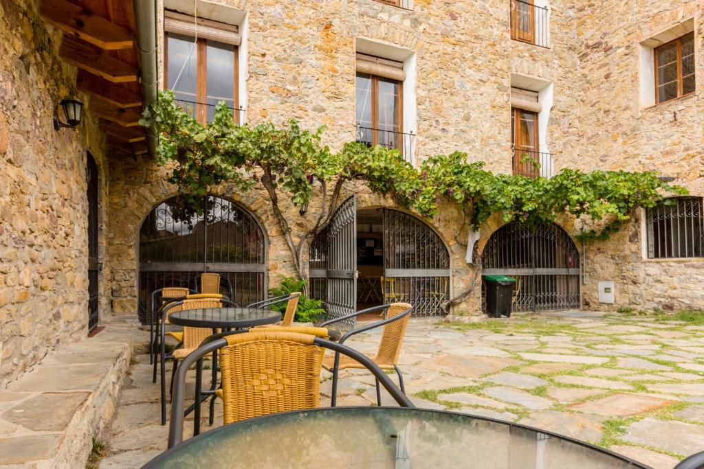 A porch or other outdoor area at Alberg La Solana