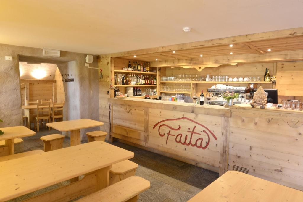 The lounge or bar area at Il Faita