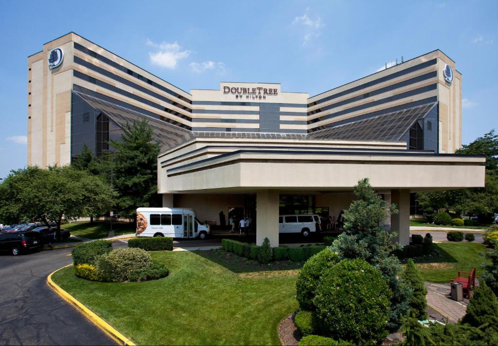 Doubletree By Hilton Hotel Newark Airport Newark Updated 2021 Prices