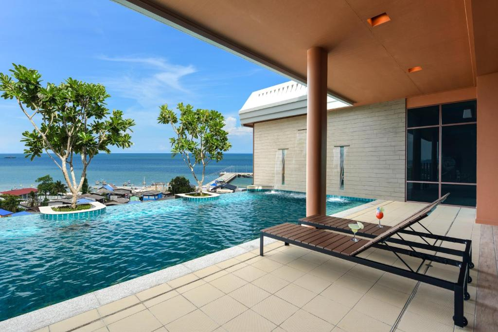 Spa and/or other wellness facilities at Hisea Huahin Hotel