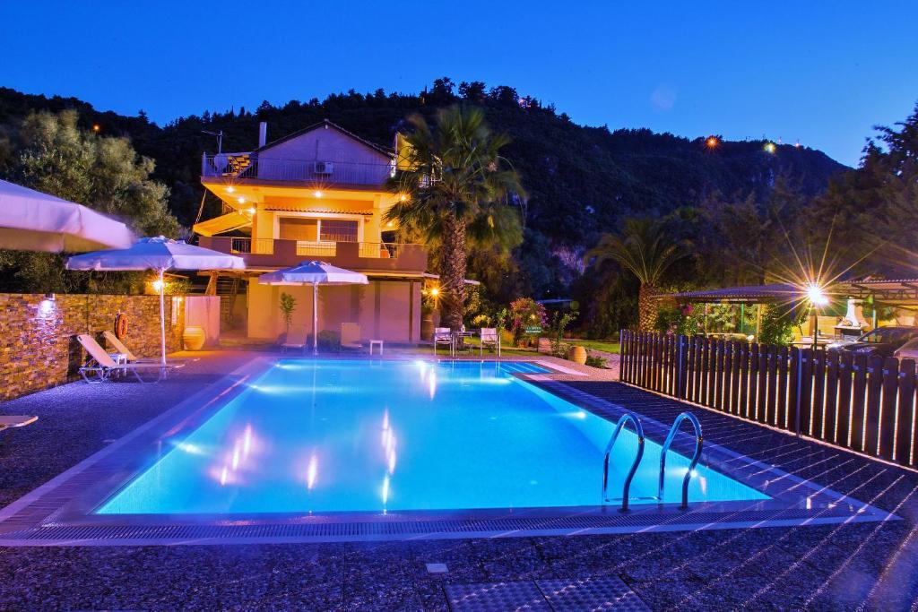 Πισίνα στο ή κοντά στο Villa Verde