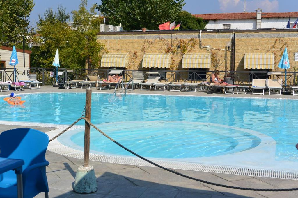 The swimming pool at or close to Camping Village Torre Pendente