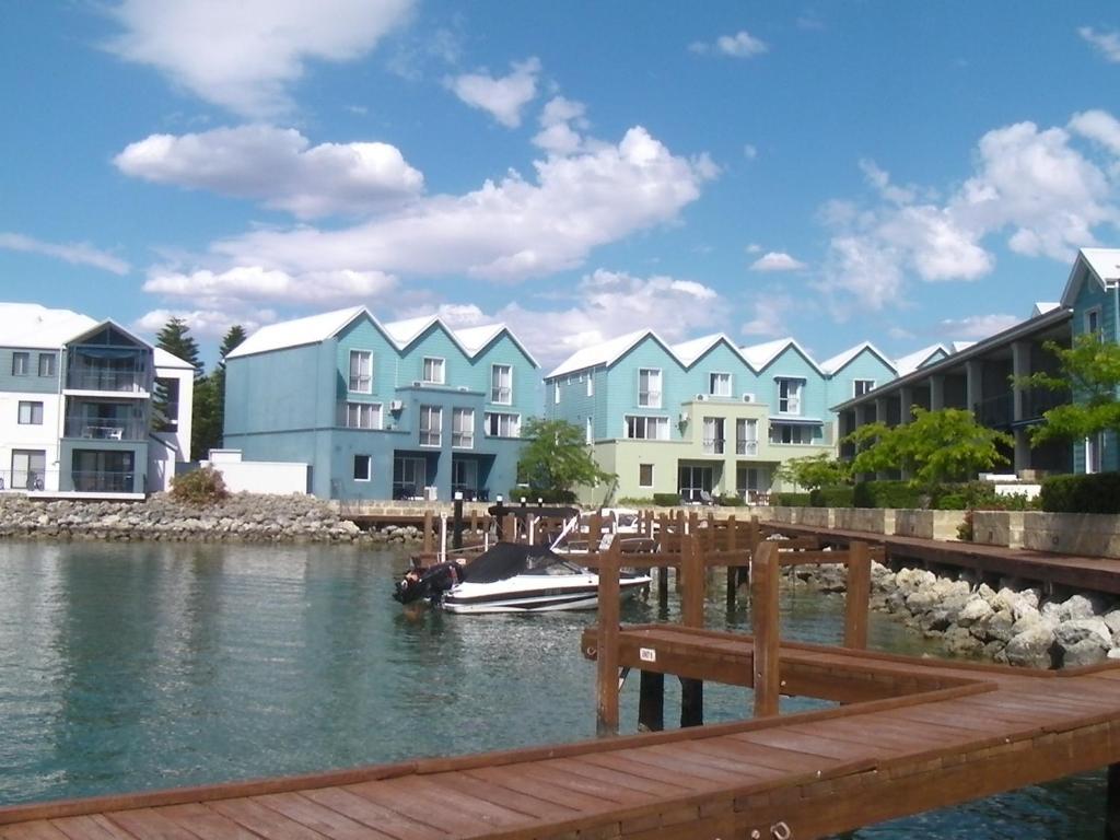 9/20 Apollo Quay Apartment