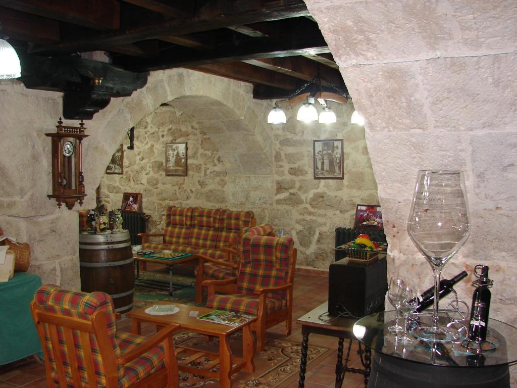 A restaurant or other place to eat at La Hacienda de mi Señor