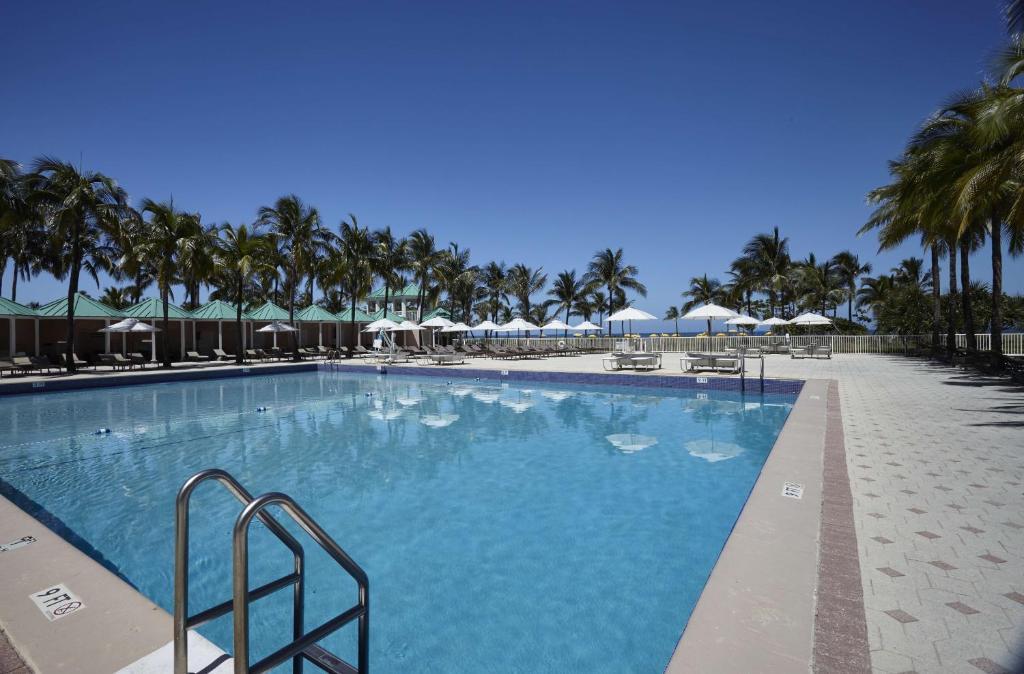 A piscina localizada em Sea View Hotel ou nos arredores
