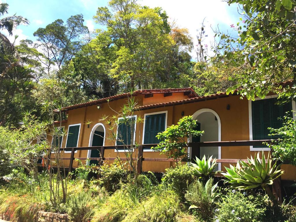 A garden outside Pousada Amoedo