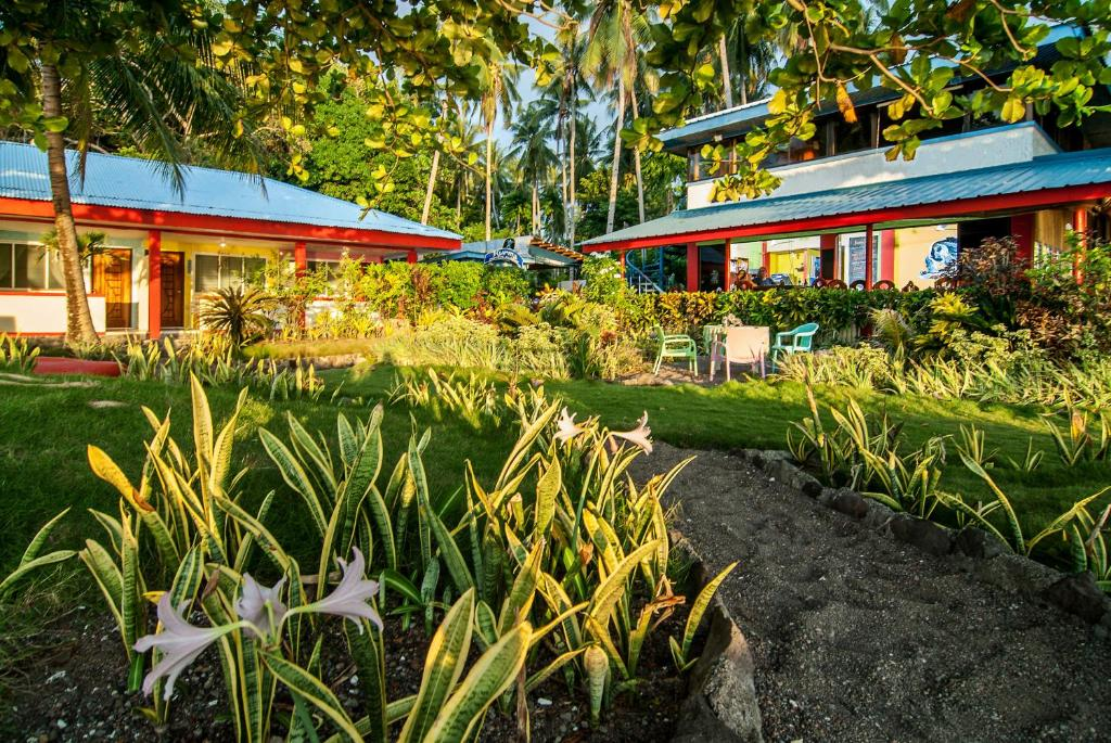 A garden outside Kurma Eco Beach Lodge