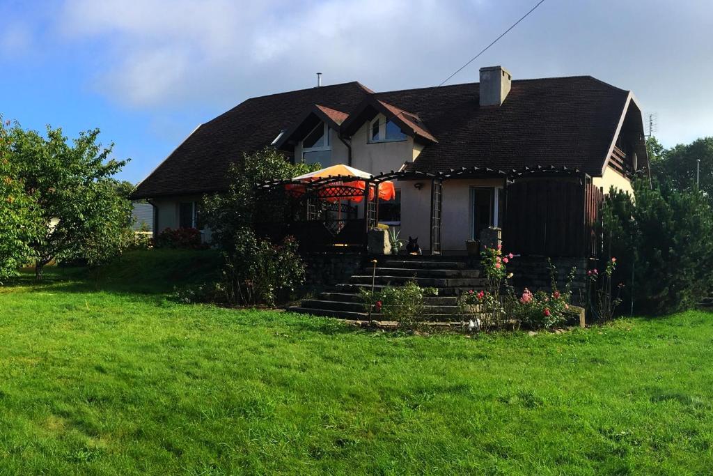 Ein Garten an der Unterkunft Pensjonat Pelikan