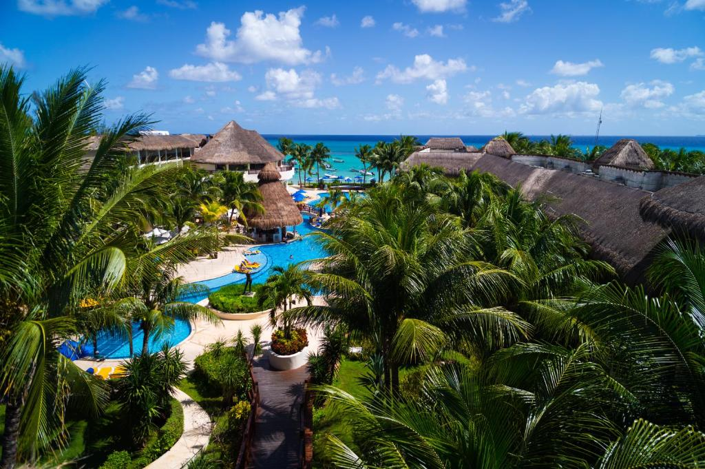 A bird's-eye view of The Reef Coco Beach & Spa- Optional All Inclusive