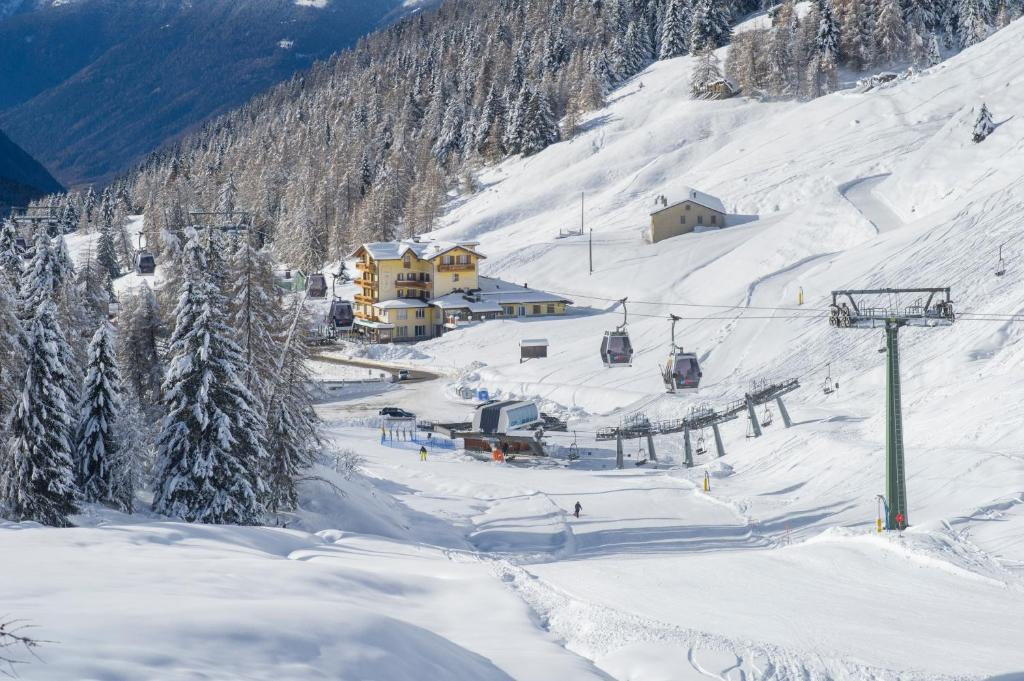 Hotel Bezzi during the winter