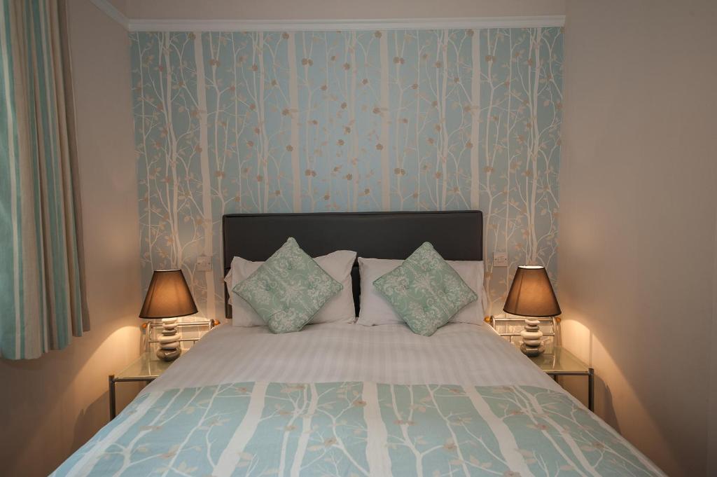 A room at The Royal Hotel and Bar