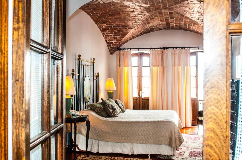 A room at Parador Santa Maria La Real