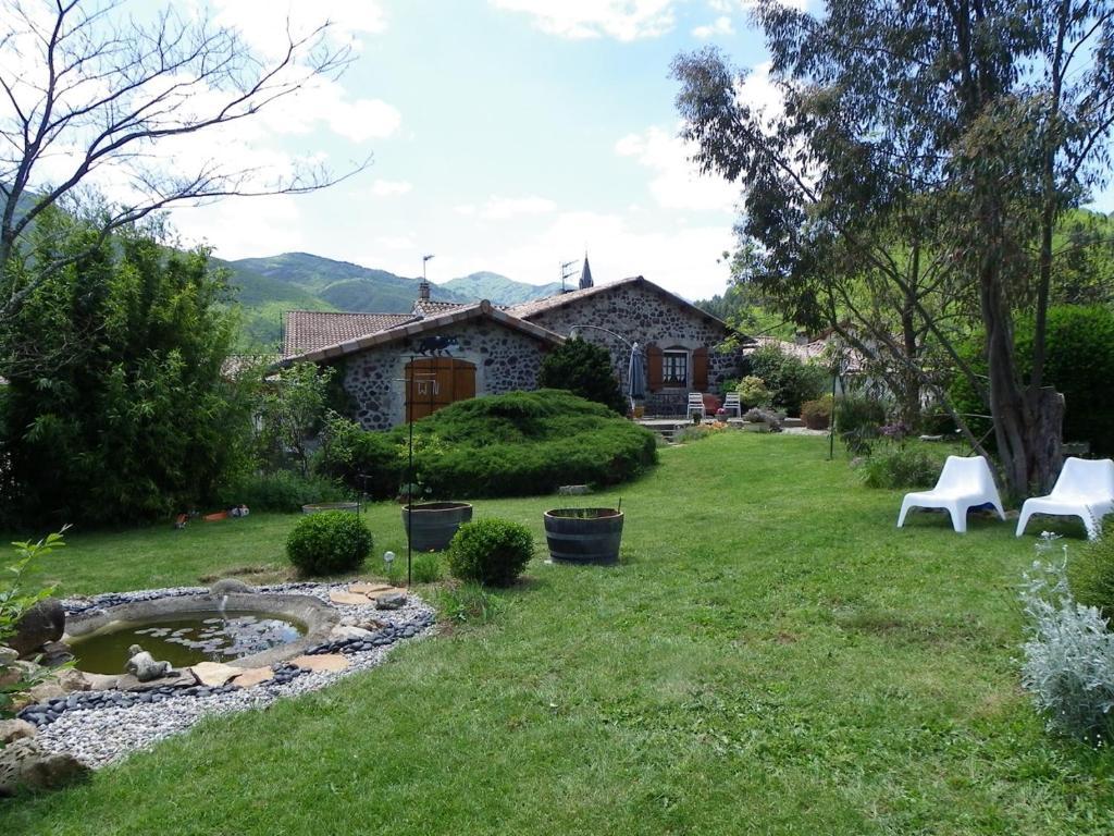 A garden outside Le Cabanon