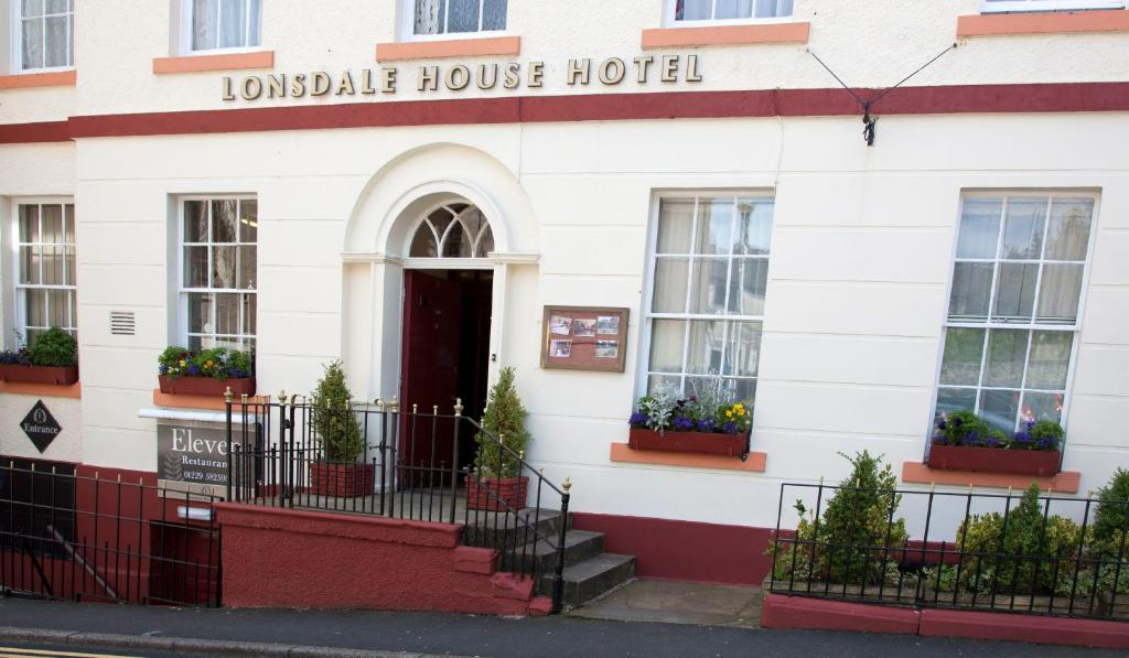 The facade or entrance of Lonsdale House Hotel