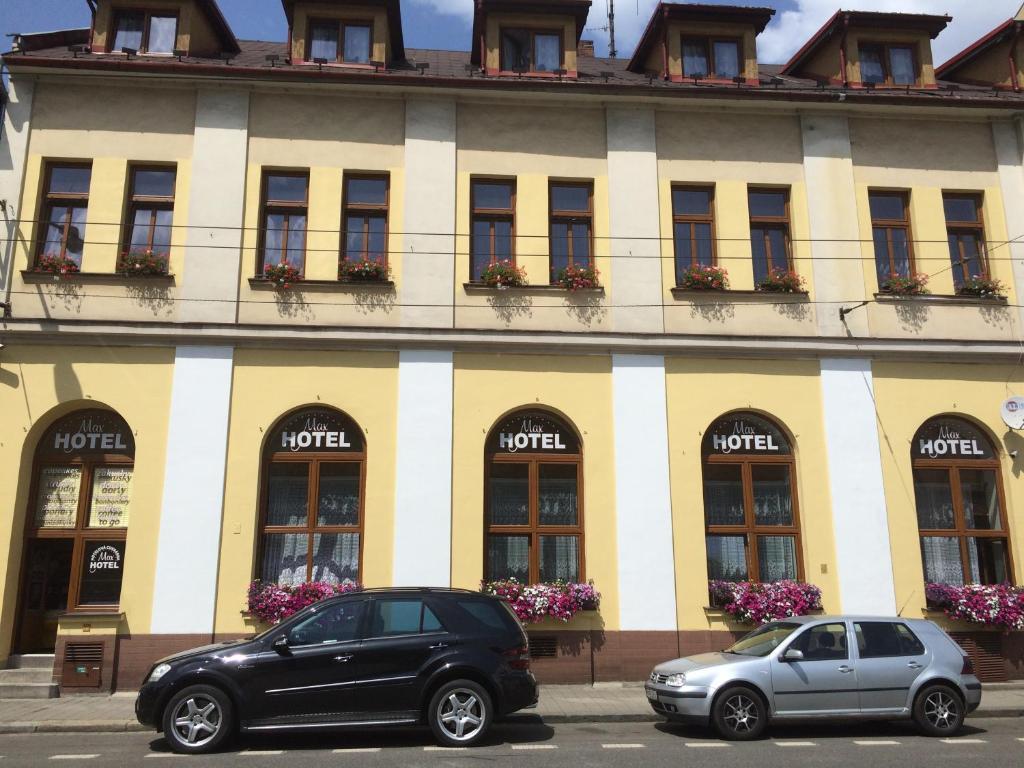 The facade or entrance of Hotel Max Šimek