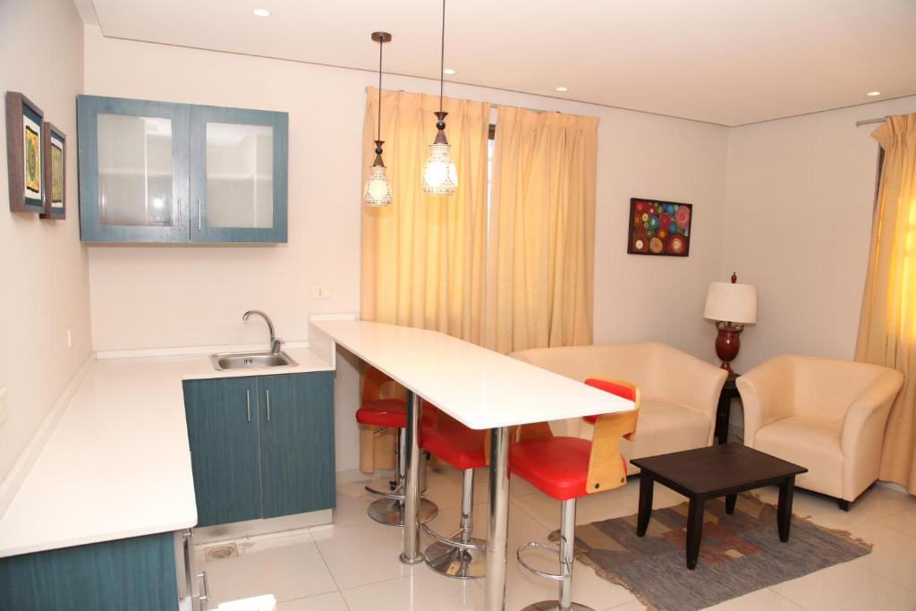 Al Qaderi Apartment Hotel