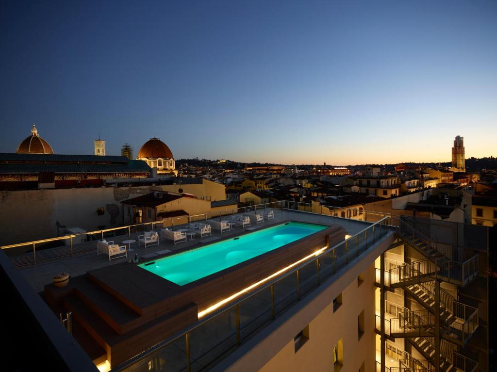 A balcony or terrace at Hotel Glance In Florence