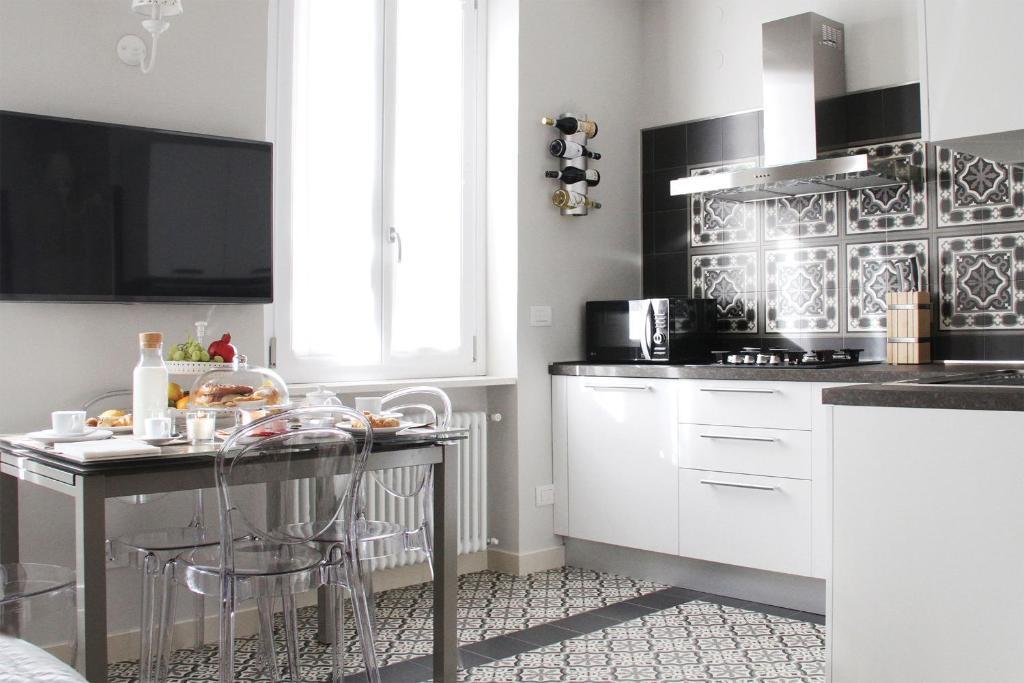 Cucina o angolo cottura di - Home Sweet Langhe - Room 51