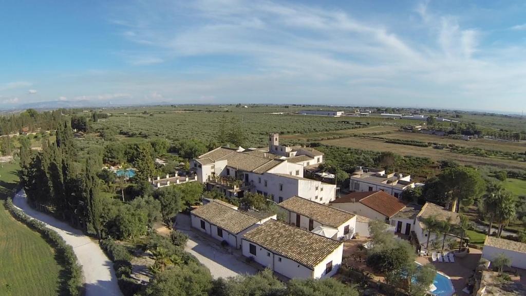 Een luchtfoto van Case Di Latomie
