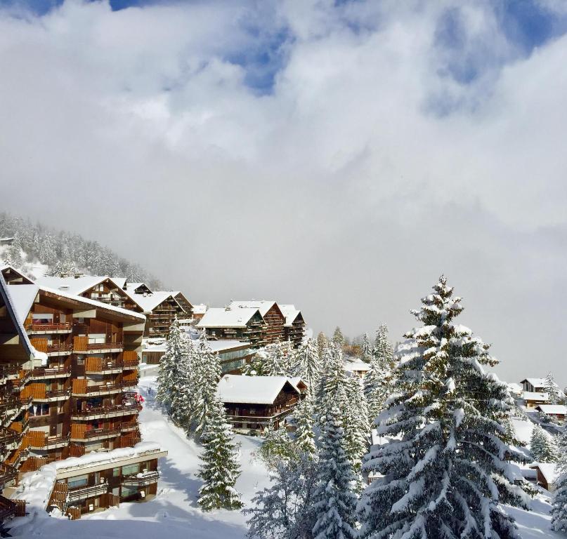 Hotel & Residence Eden Anzere, Switzerland