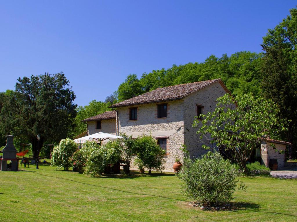 Cozy Holiday Home in Pietrafitta Umbria with Garden