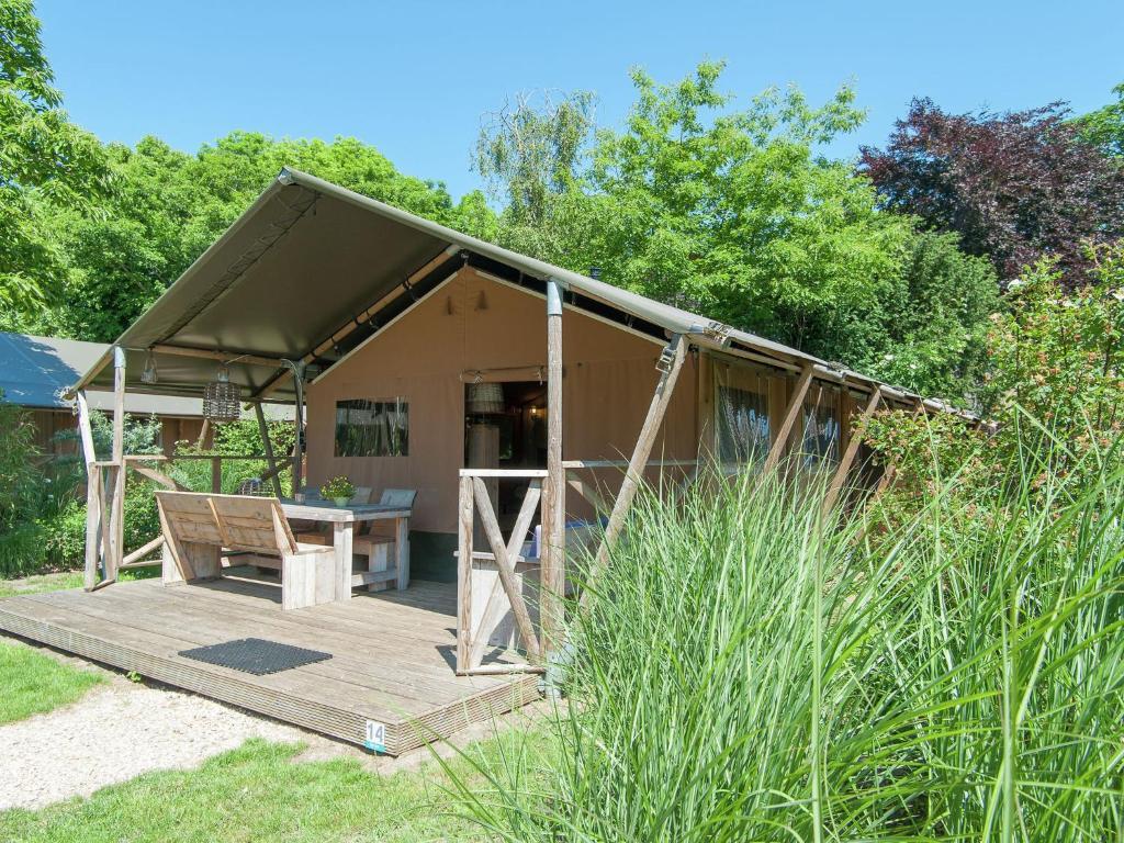Luxury Tent Luxurious, cozy safari tent with woodstove