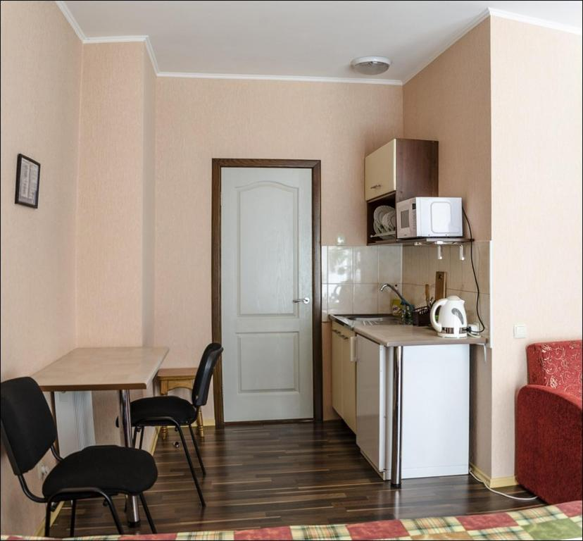A kitchen or kitchenette at Hotel Cherkassy