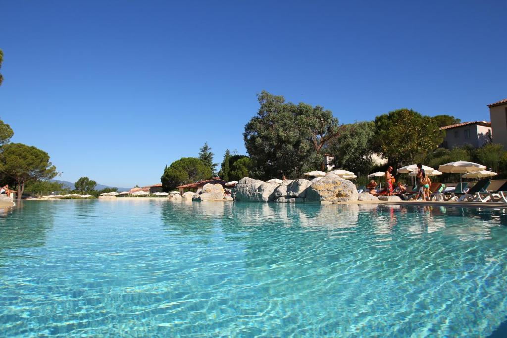 The swimming pool at or near Maeva Particuliers Résidence Le Rouret