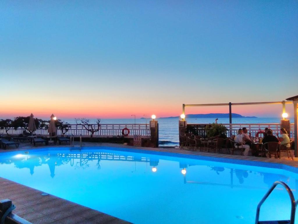 Sunset Beach Hotel Kokkini Khanion 77 Guest Reviews Booking Com