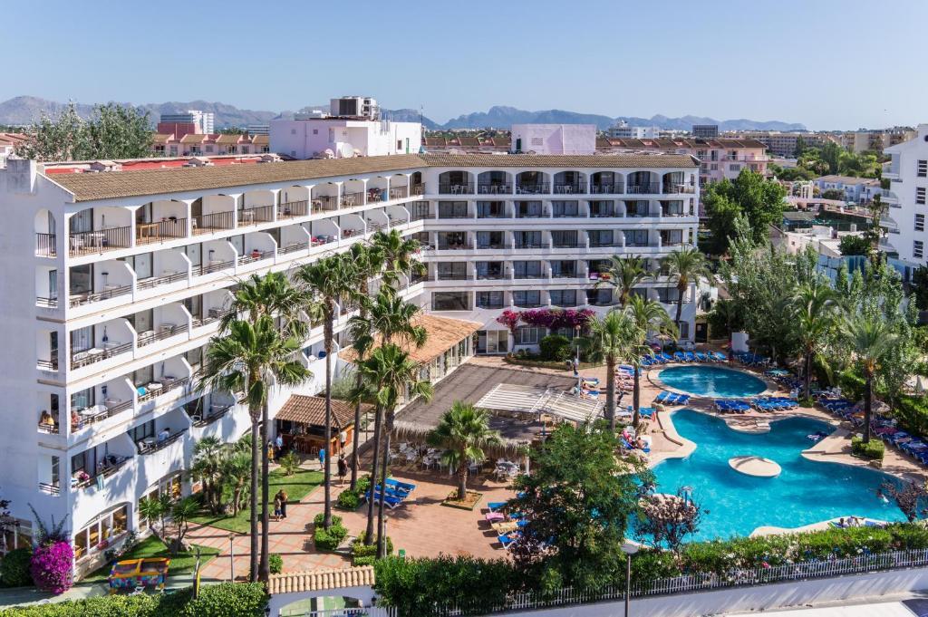 Vista de la piscina de Sol de Alcudia Apartamentos o alrededores
