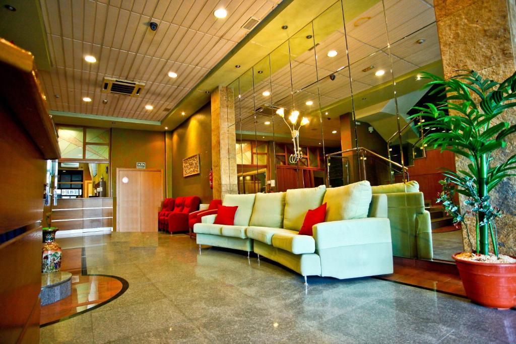 El vestíbulo o zona de recepción de Hotel Pio XII Jumilla