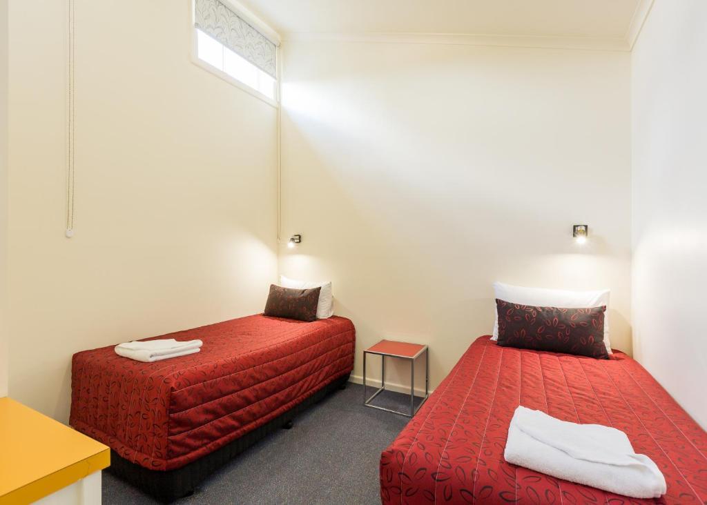 Graham Court Apartments - Laterooms