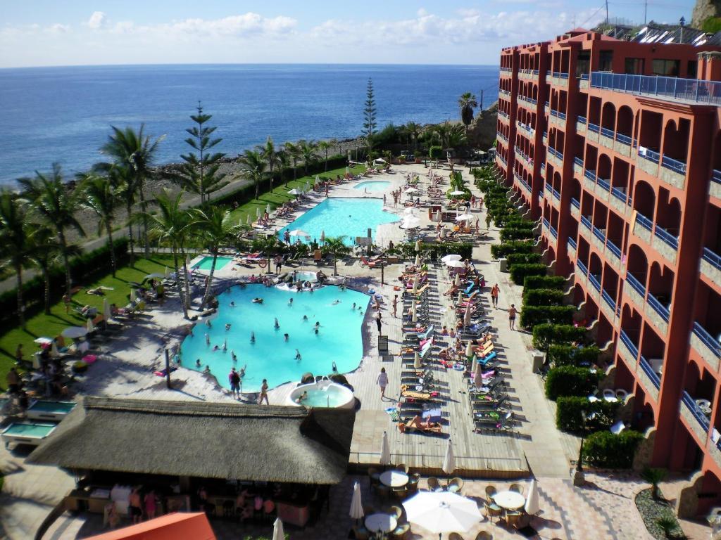 Vista de la piscina de Riviera Peace o alrededores