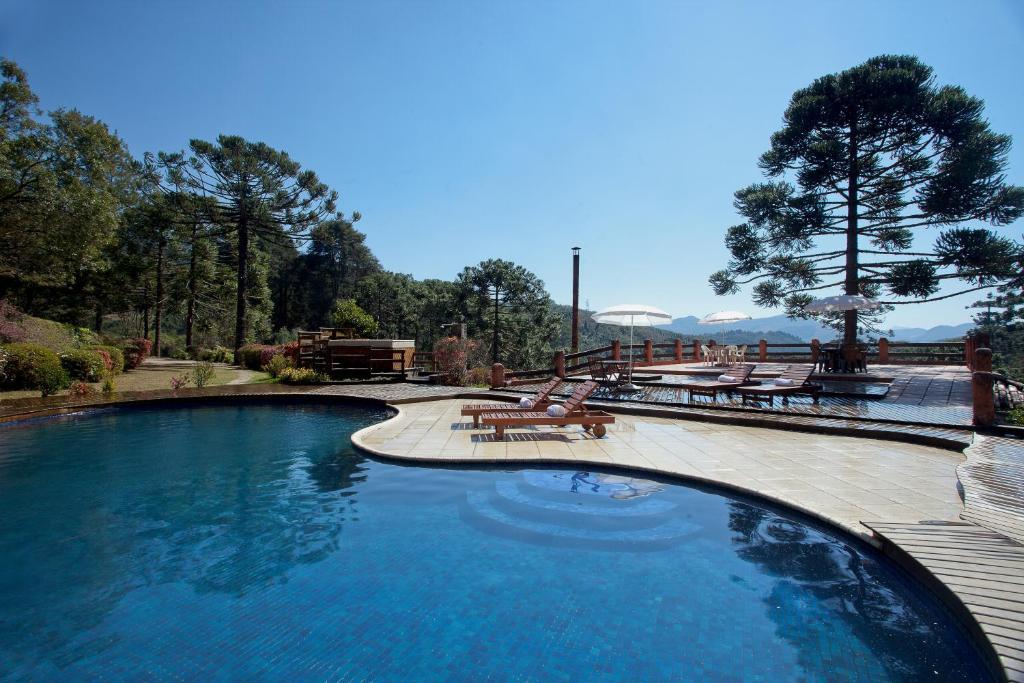 A piscina localizada em Fazenda Hotel Itapuá ou nos arredores
