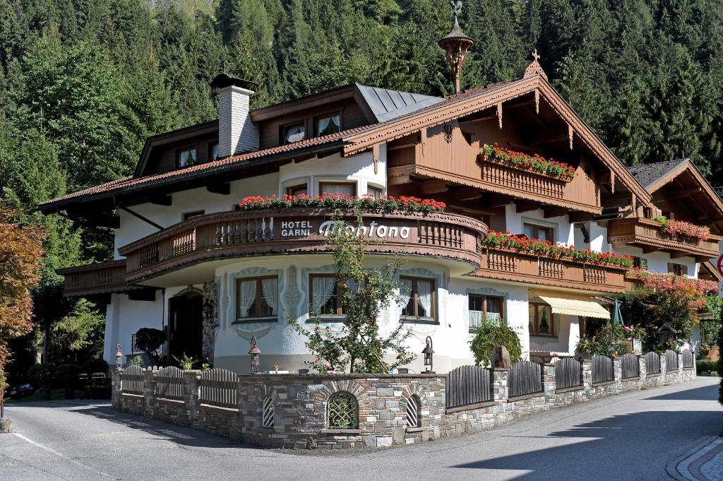 Hotel Garni Montana Mayrhofen, Austria
