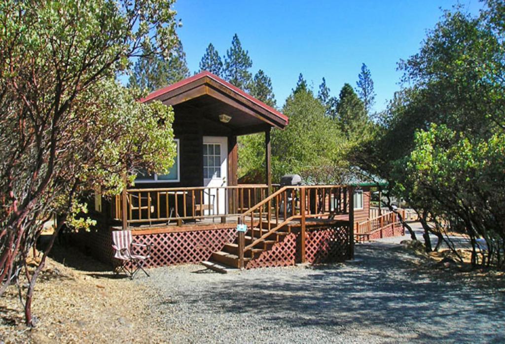 Lake of the Springs Camping Resort Cabin 2