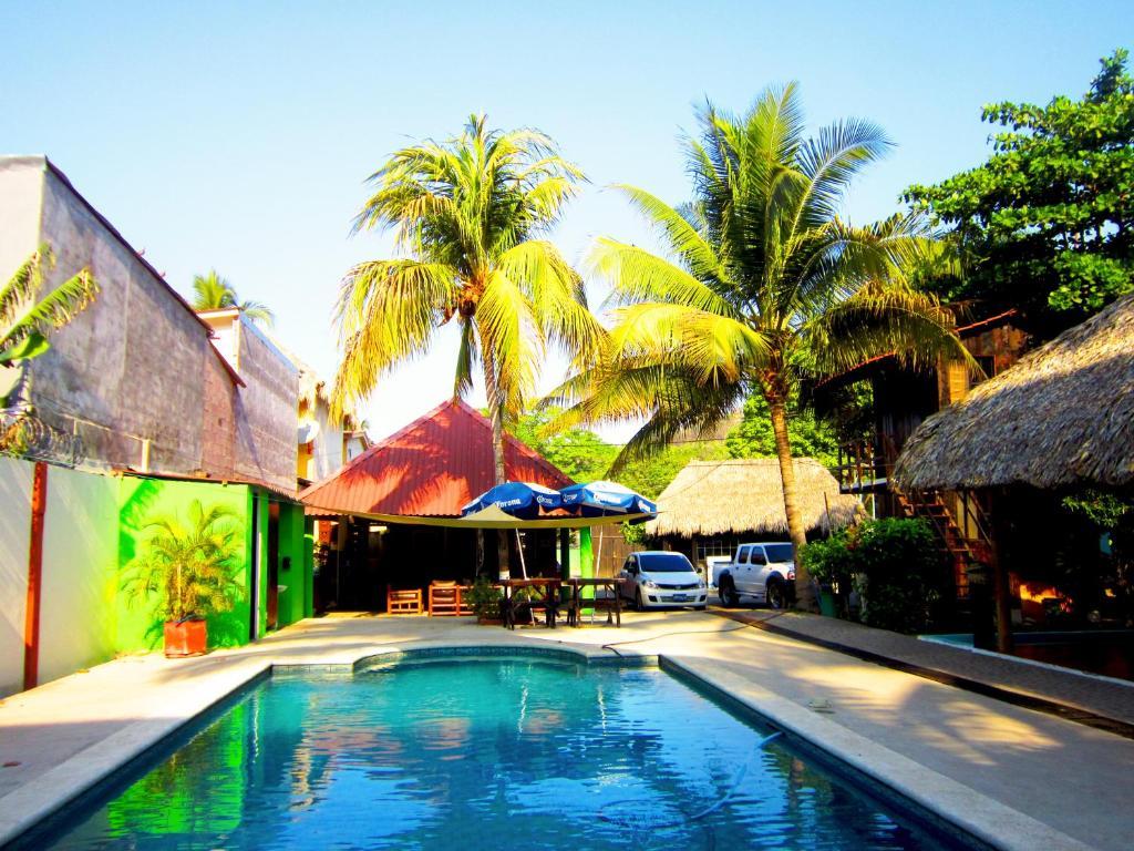 The swimming pool at or near Hotel Tunco Lodge