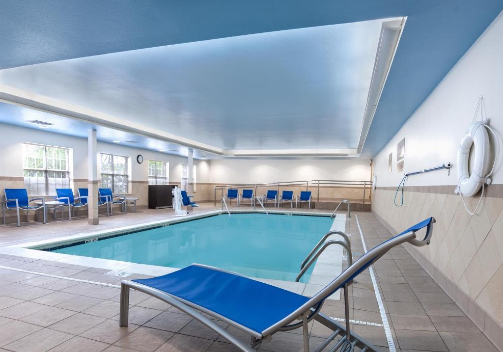 The swimming pool at or near TownePlace Suites by Marriott Baton Rouge South