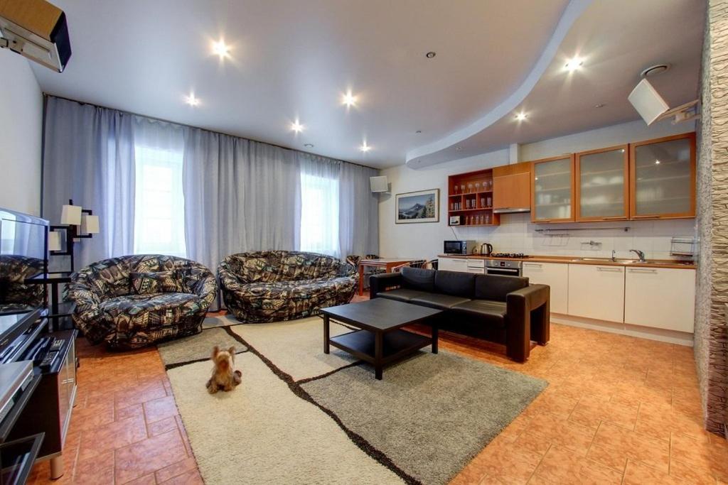 Гостиная зона в hth24 apartments on Italiyanskaya 1