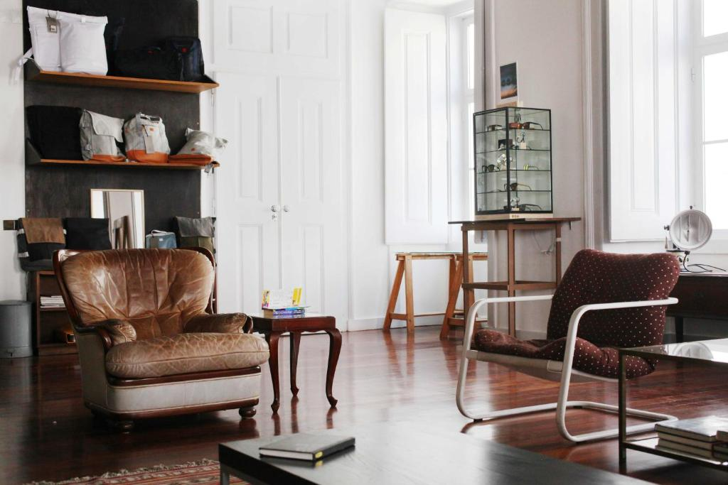 A seating area at Lost Lisbon :: Cais House