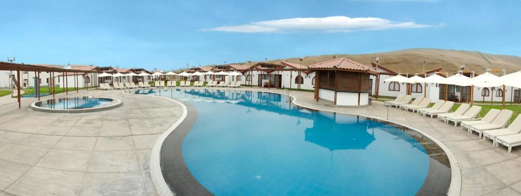The swimming pool at or close to DM Hoteles Asia
