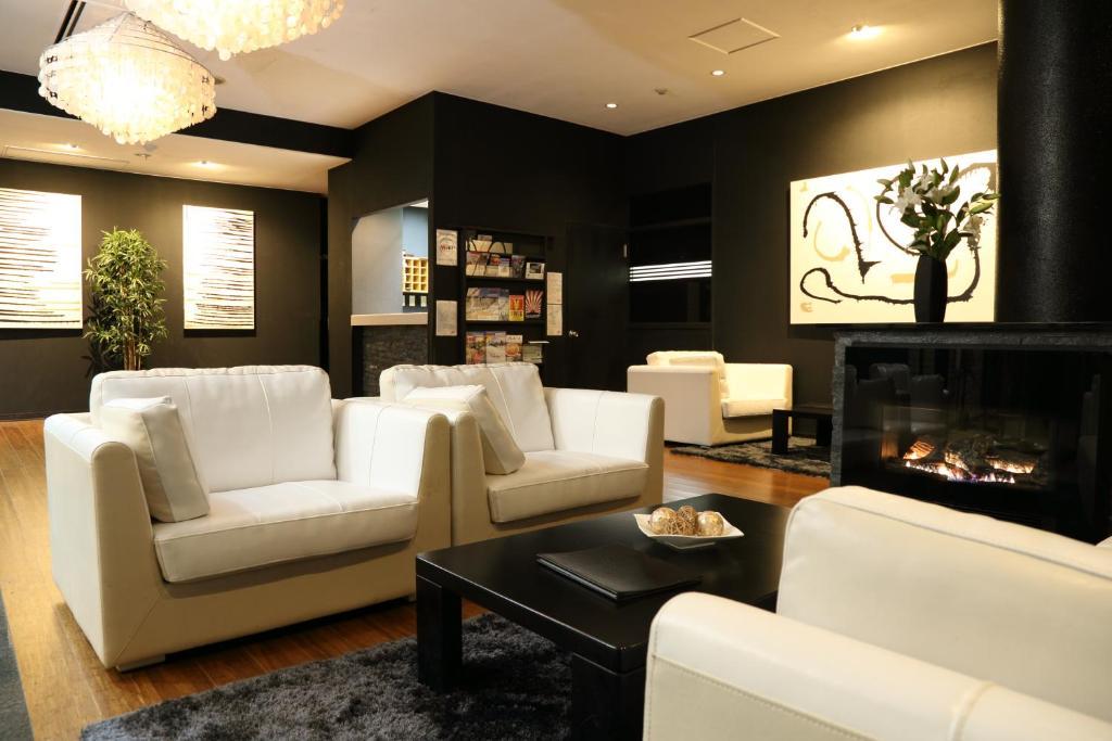 A seating area at Hakuba Echo Hotel