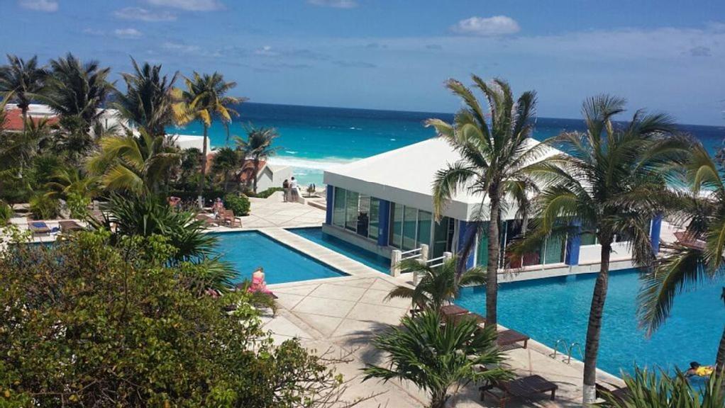 Piscina en o cerca de Sol y Mar Destination & Cancun Beach Rentals