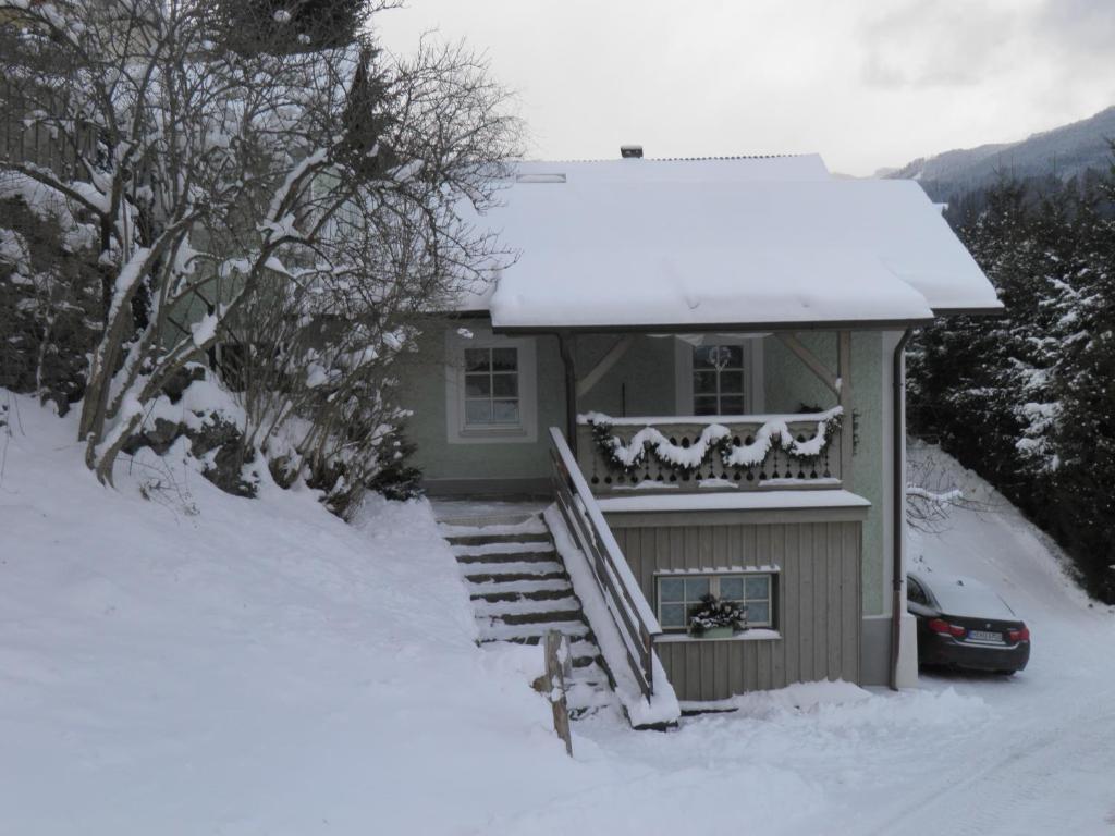 Ferienhaus Forsthof during the winter