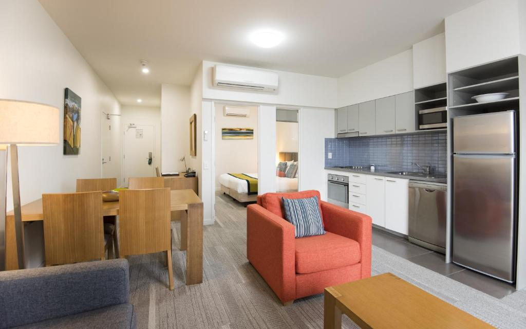 A kitchen or kitchenette at Quest Mackay